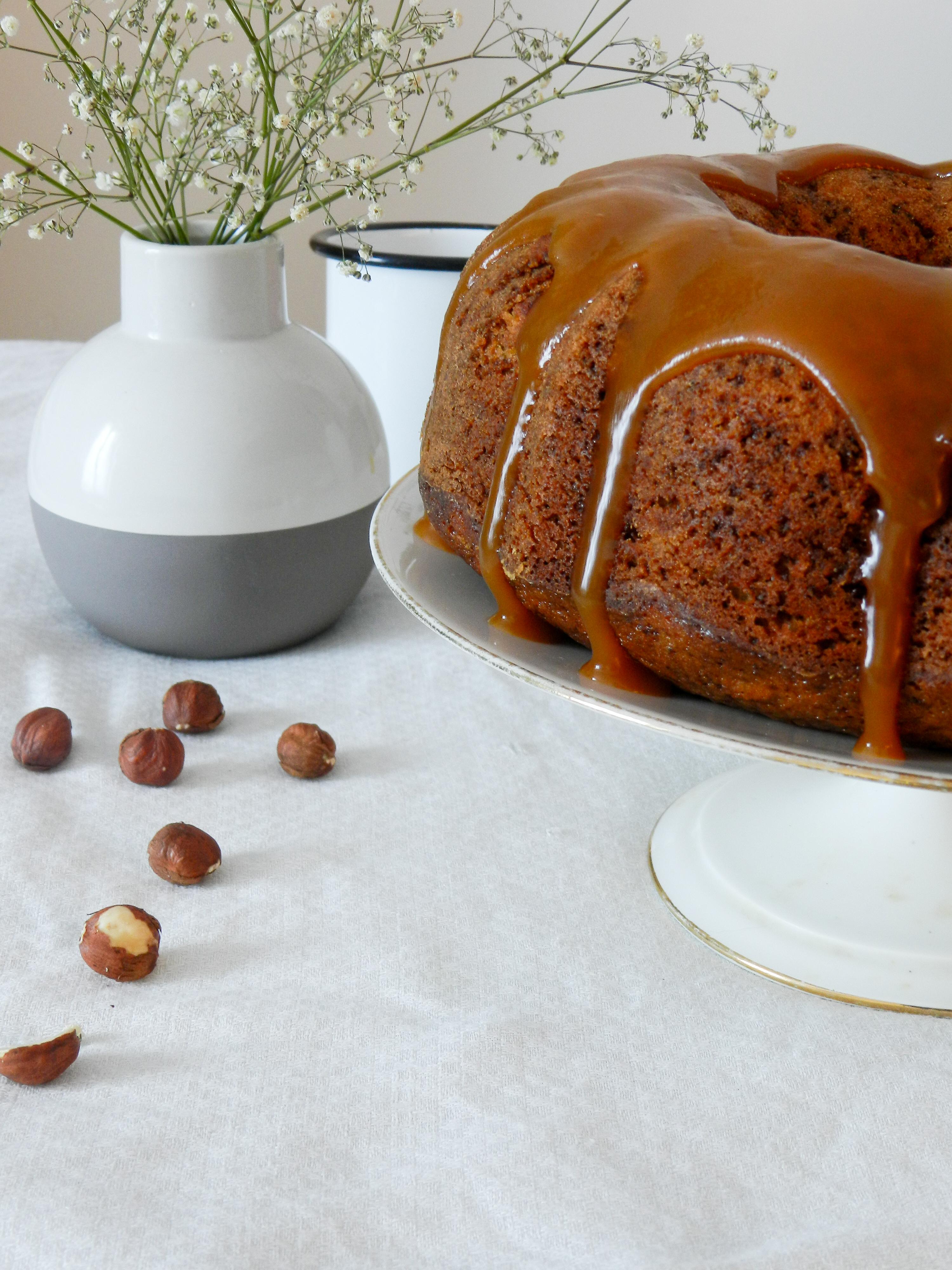 Banana Bread façon Bundt Cake aux noisettes et au caramel